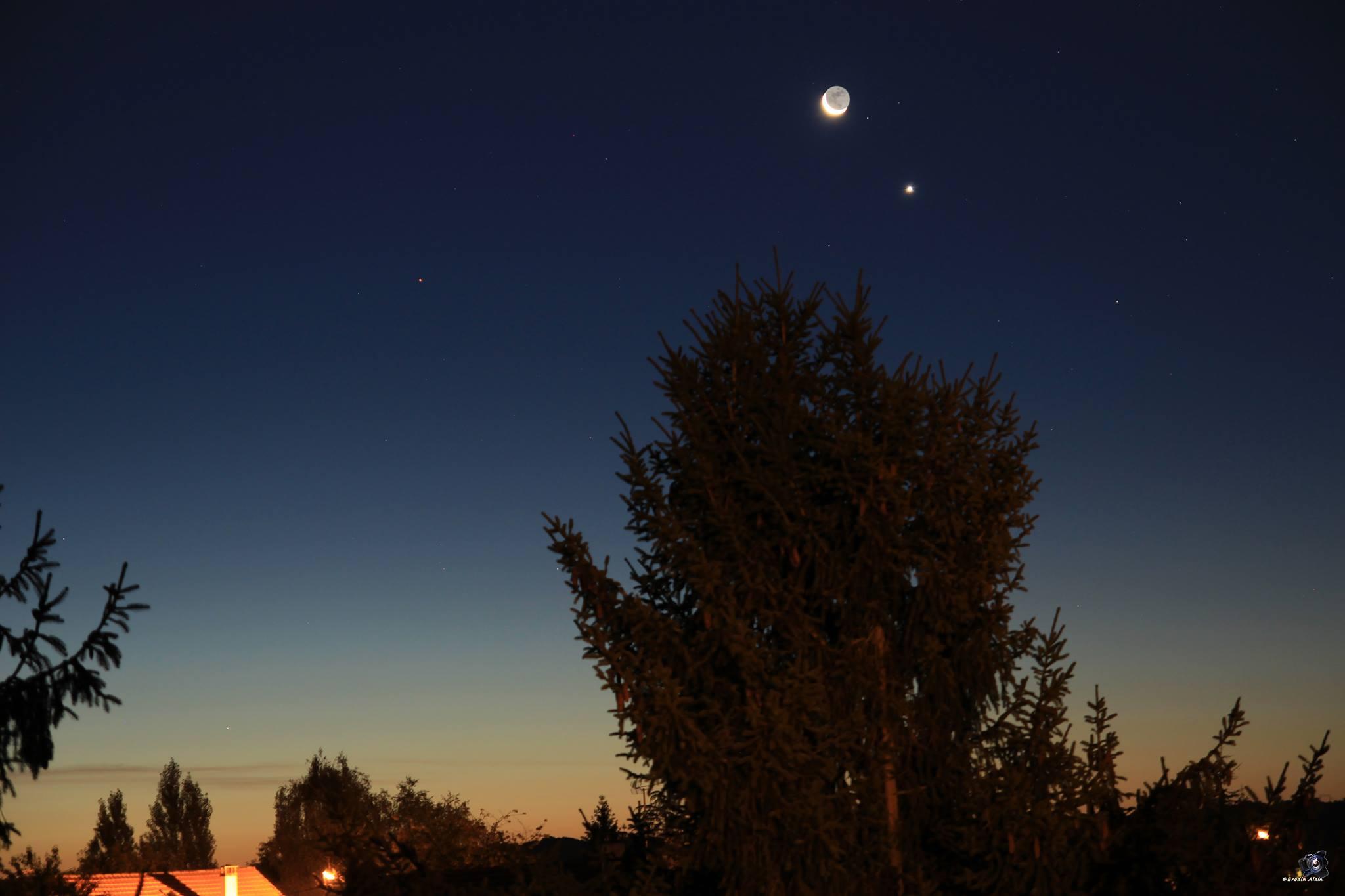 Rapprochement Lune ,Vénus et Mars du 10 09 2015