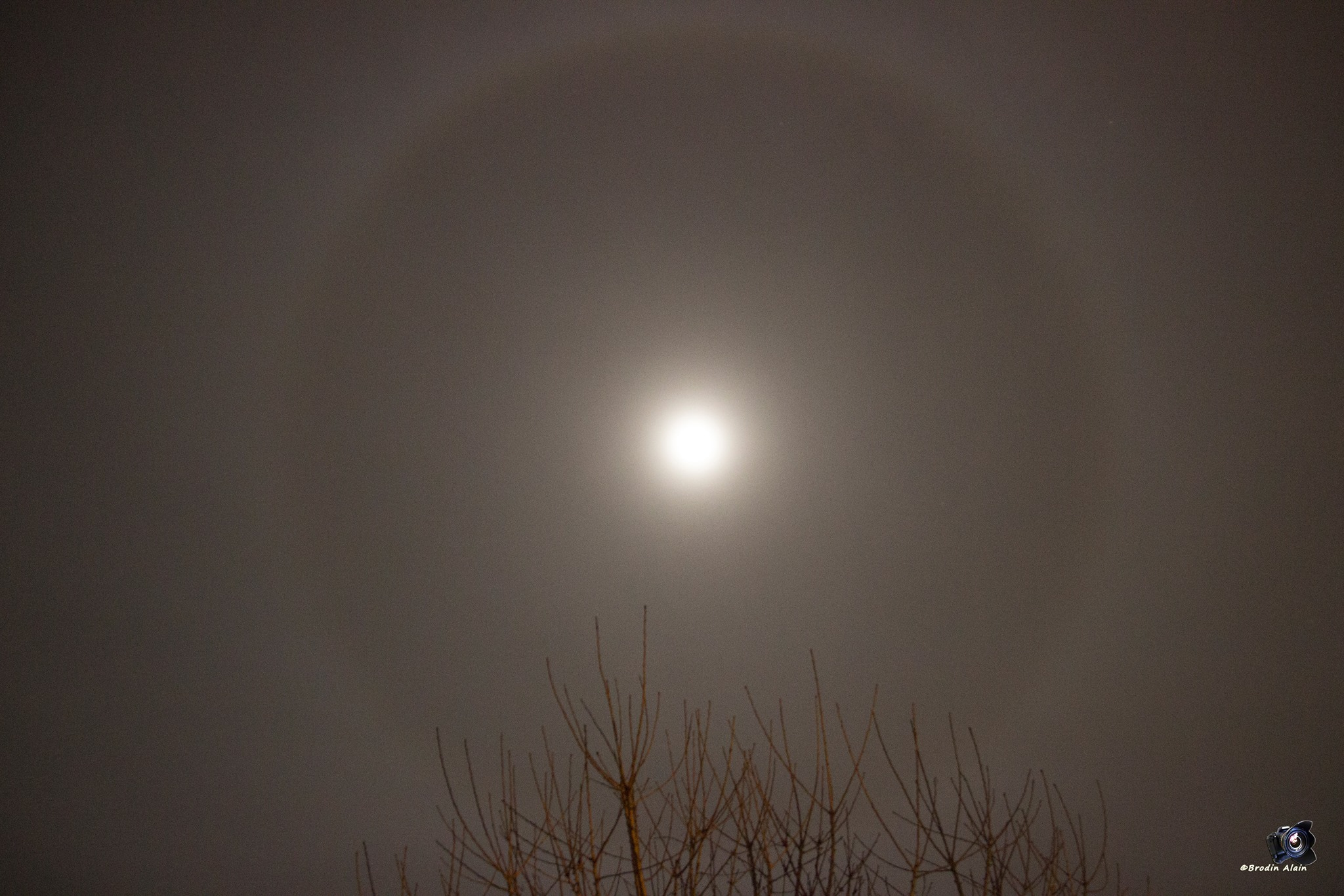 Halo de lumière autour de la lune !!! 07 02 2017
