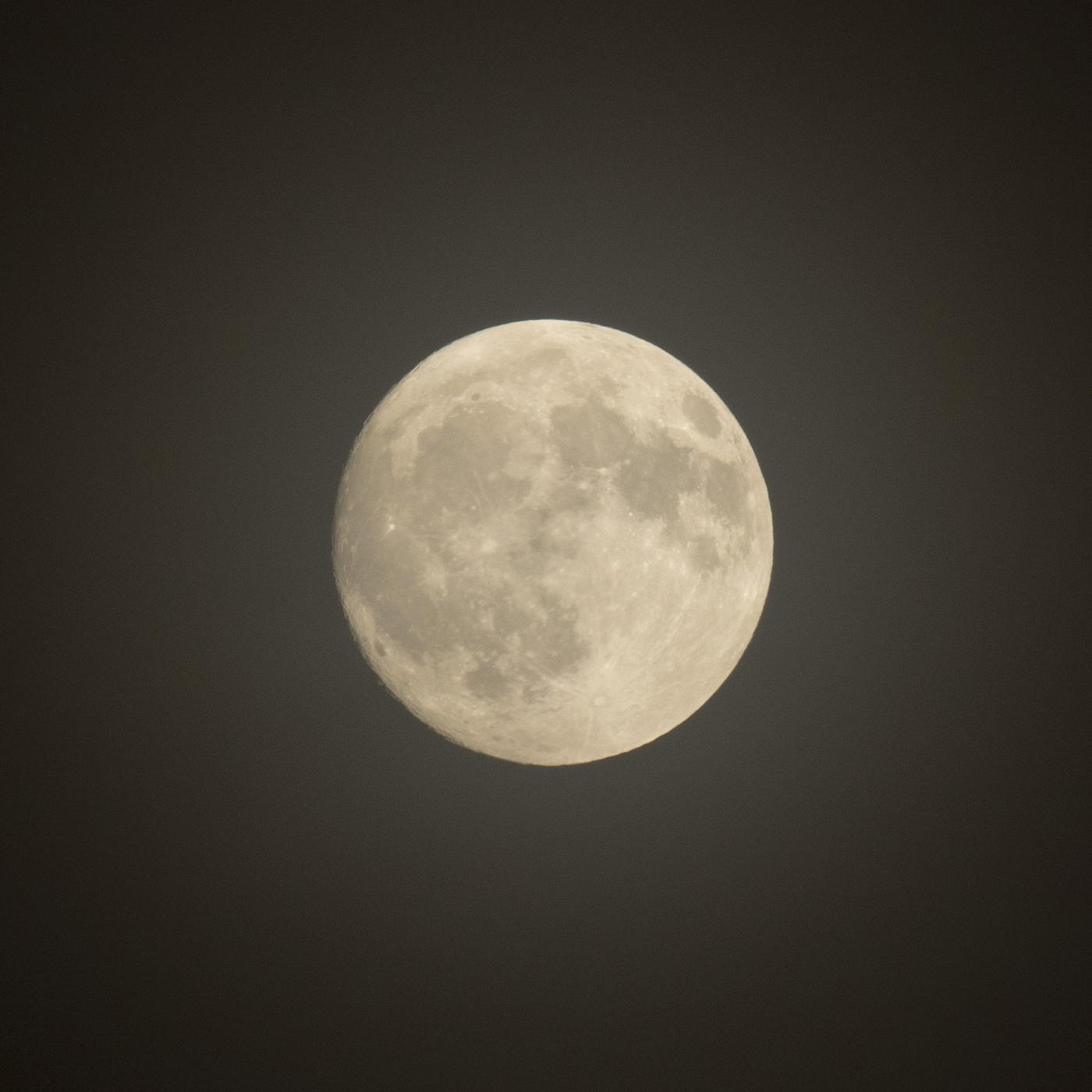 la lune, au soir du 04/10/2017  (31494  rawjpegas.jpg)
