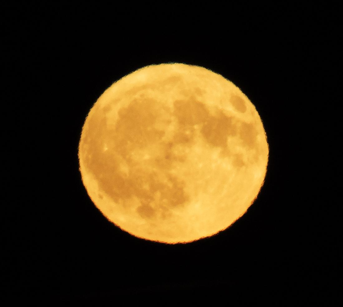 la lune , au soir du 05/10/2017 (31600 rawjpegas.jpg)