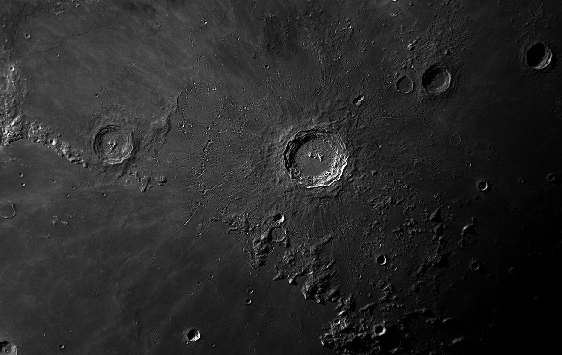 Moon_30_Sep_2017_20_27_38_HaT-F27_ZWO-ASI174MM_AS_F178_grad6_ap505_conv-ps.jpg